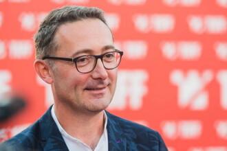 Tudor Giurgiu: Un director din minister, cu 100.000 de euro în cont, a cerșit bilete la Moromeții 2