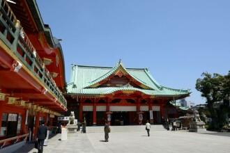 Atac cu o sabie de samurai, într-un templu din Tokyo: 3 morți
