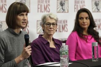 Trei femei îl acuză pe Trump de hărţuire sexuală.
