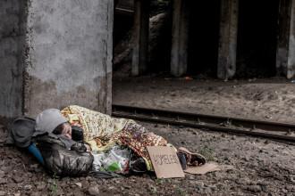 Politica Marii Britanii privind deportarea oamenilor fără adăpost europeni ar putea fi ilegală