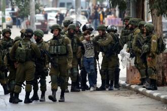 Ciocniri violente în Palestina. Trei persoane au murit, 150 au fost rănite