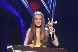 """Ana Munteanu, câştigătoarea sezonului şapte al emisiunii """"Vocea României"""", a lansat prima ei piesă, """"Măşti"""""""