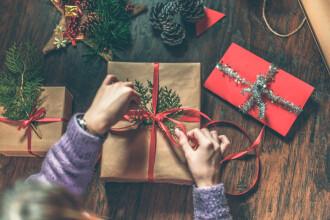 Un copil i-a cerut lui Moș Crăciun să o salveze pe prietena lui care are cancer