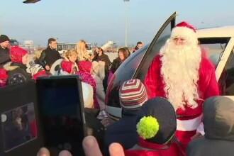 Moș Crăciun a ajuns la copiii din Oradea cu elicopterul