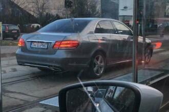 Un timișorean cere sancționarea lui Robu, după ce a depășit coloana de mașini la semafor