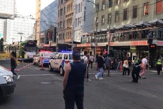 Panică la Melbourne. Un șofer a intrat cu mașina în trecătorii dintr-o intersecție; 19 răniți