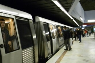 Incident într-un metrou, joi dimineața. Persoană preluată de SMURD, după ce i s-a făcut rău