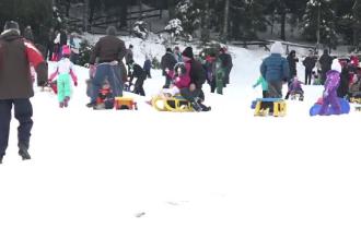 Stațiunea Arieșeni, luată cu asalt de turiștii iubitori de sporturi de iarnă