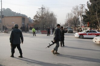 Atentat ISIS, cu 41 de morți și peste 80 de răniți, la Kabul. Printre victime, copii și jurnaliști