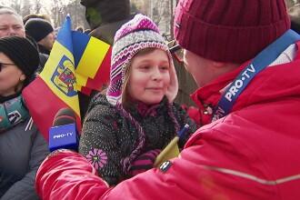"""Reacţia unei fetiţe, întrebată dacă e mândră că e româncă. """"Înseamnă foarte mult"""""""