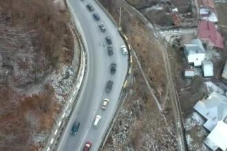 Două zile de vacanță la munte, una în trafic. Coloană de 30km spre București