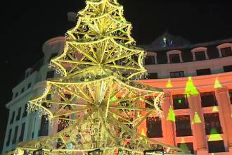 Reacția unor turiști din Suedia, în vizită la Târgul de Crăciun din Capitală: