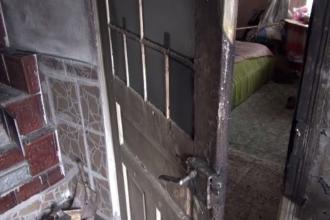 Bătrână de 85 de ani, arsă de vie în propria casei din cauza sobei. Vecinii au fost cei care au dat alarma