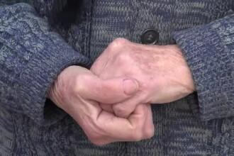 Bătrână jefuită în scara unui bloc din Bucureşti. Agresorii au fost prinși