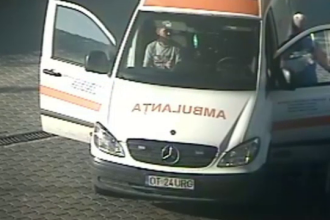 Șoferi de ambulanță, bănuiți de furt de motorină. Ar avea pe conștiință 8 decese