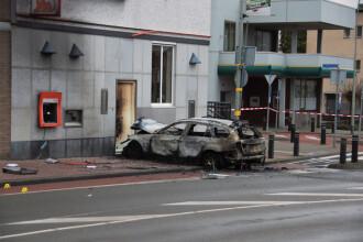 Un grup de bărbați a încercat să arunce în aer ATM-urile unei bănci. 14 morți