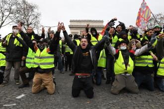 """""""Vestele galbene"""" au ieșit din nou în stradă. Proteste în Franța, chiar înainte de Crăciun"""