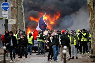 """10.000 de """"veste galbene"""" în Paris. Ce măsuri ar putea anunța Macron ca să taie elanul protestelor"""