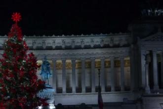 Spiritul Crăciunului a invadat Europa. Unde a fost împodobit cel mai mare brad de Crăciun
