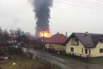 Pompierii au stabilit cauza incendiului de la fabrica din Mureș