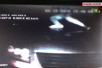 Cascadoriile făcute de câțiva hoți români, pentru a goli un TIR aflat în mers. VIDEO