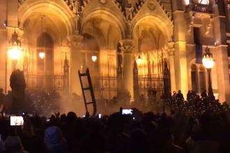 """""""Legea sclaviei"""", votată în Ungaria. Proteste uriașe în Budapesta, 4 răniți"""