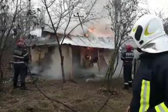 Un bărbat a murit în somn. Ce au descoperit pompierii în locuința sa