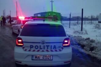 Accident grav cu o maşină de poliţie, pe o şosea din Suceava. Un agent a fost rănit
