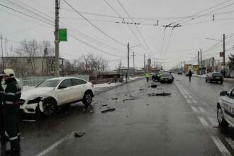 Accident grav în Neamț. Patru autoturisme implicate