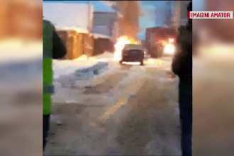 Un şofer s-a salvat în ultima clipă din maşină cuprinsă de flăcări. Incidentul, filmat de martori