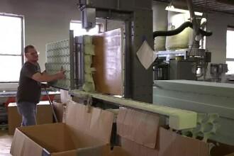 O fabrică a dat prime de Crăciun de câte 60.000 de dolari fiecărui angajat