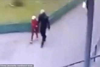Momentul în care un pedofil convinge o fetiţă de 8 ani să plece cu el. Ce a urmat. VIDEO