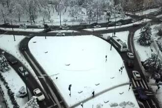 Orașul unde deszăpezirea întârzie. Un giratoriu este și acum îngropat de zăpadă