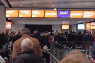 Zborurile de pe aeroportul Gatwick, perturbat de drone, au fost reluate