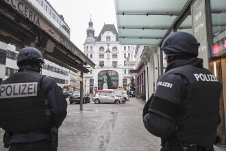 Atacul armat din Viena a fost comis de interlopi est-europeni. Un bărbat a fost ucis