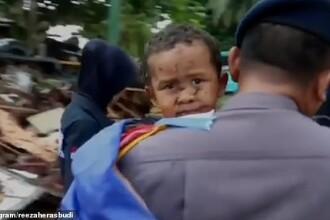 Momentul în care un copil a fost salvat la 12 ore după ce tsunami-ul a lovit Indonezia