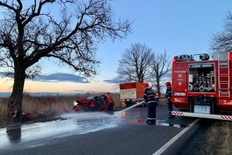 Accident groaznic în Teleorman, în dimineaţa de Crăciun. 2 tineri au murit pe loc