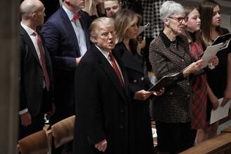 Donald Trump, surprins în timp ce cântă colinde la slujba de Crăciun. VIDEO