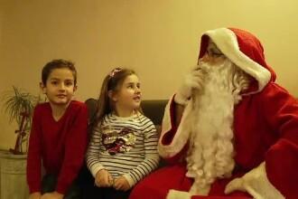 Reacțiile copiilor după ce au văzut ce cadouri a lăsat Moș Crăciun sub brad