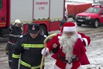 6 frați din județul Vaslui au fost făcuți fericiți de câțiva pompieri cu suflete mari