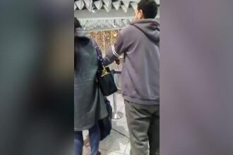 """Un român a filmat un hoț străin pe aeroportul din Frankfurt. """"Dă-i ăla înapoi"""". VIDEO"""