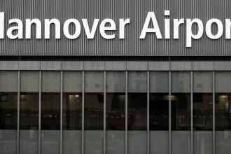 Ce a descoperit poliția despre șoferul care a intrat cu mașina pe aeroportul din Hanovra
