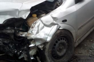 Accident grav în Giurgiu, din cauza vitezei. Trei persoane au fost duse la spital