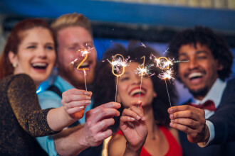 Ajunul Anului Nou. Obiceiuri: ce să faceți pentru noroc în dragoste și bunăstare în 2019