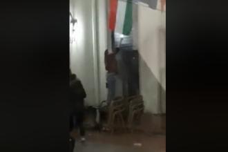 O tânără a încercat să dea foc steagului Ungariei, la Oradea. Ce a urmat. VIDEO