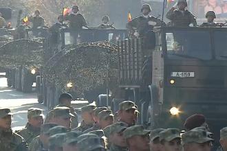 VIDEO. Mii de oameni au asistat la parada militară din Alba Iulia