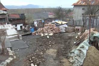 """Scene de groază în Dâmbovița, după ce o casă a luat foc: """"Cerea ajutor. Era ars complet"""""""