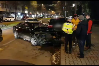 Accident în lanț provocat de un șofer teribilist, în Vaslui. Conducea o mașină cu volan pe dreapta