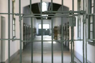 Şase bărbați din Malaezia, condamnaţi la închisoare pentru că au lipsit de la rugăciune