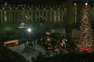 Vaticanul a aprins luminile în bradul de Crăciun. Arborele are înălțimea unui bloc cu 5 etaje